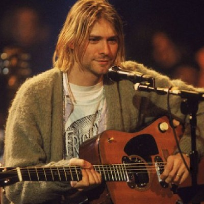 Subastarán guitarra que Kurt Cobain tocó en 'MTV Unplugged´