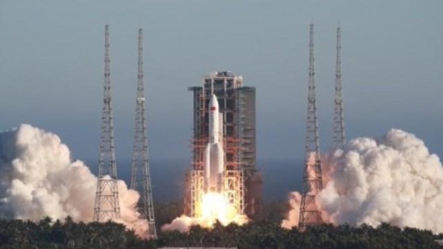 China lanza con éxito nuevo cohete espacial sin tripulantes