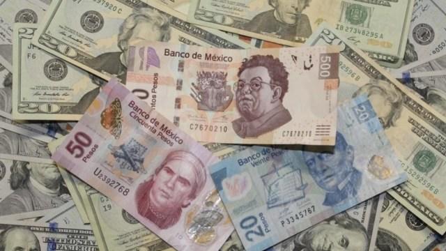 Peso mexicano cae ante preocupaciones por alza de casos coronavirus