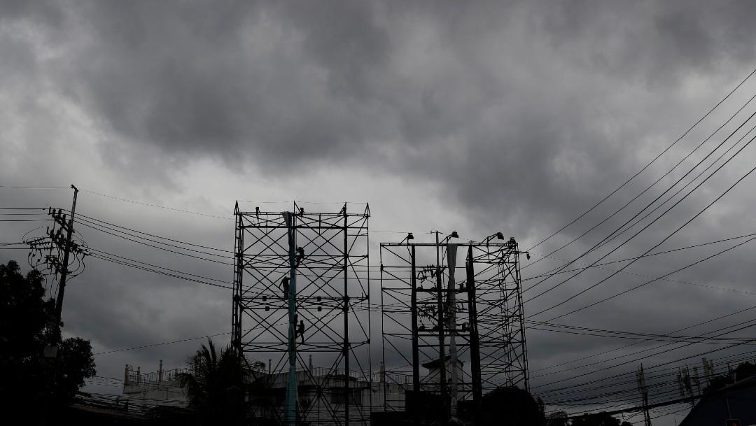 Al menos 140.000 personas en refugios por tifón en Filipinas