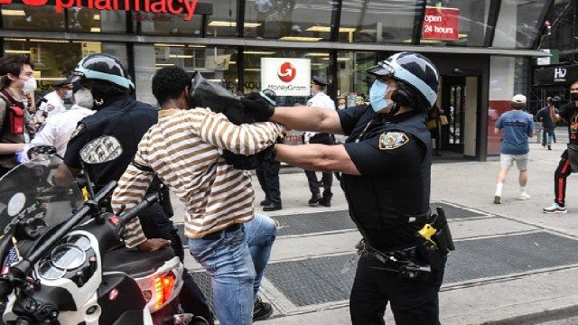Foto: Más de 30 arrestos en Nueva York durante protesta por muerte de George Floyd, 28 de mayo de 2020, (Getty Images)