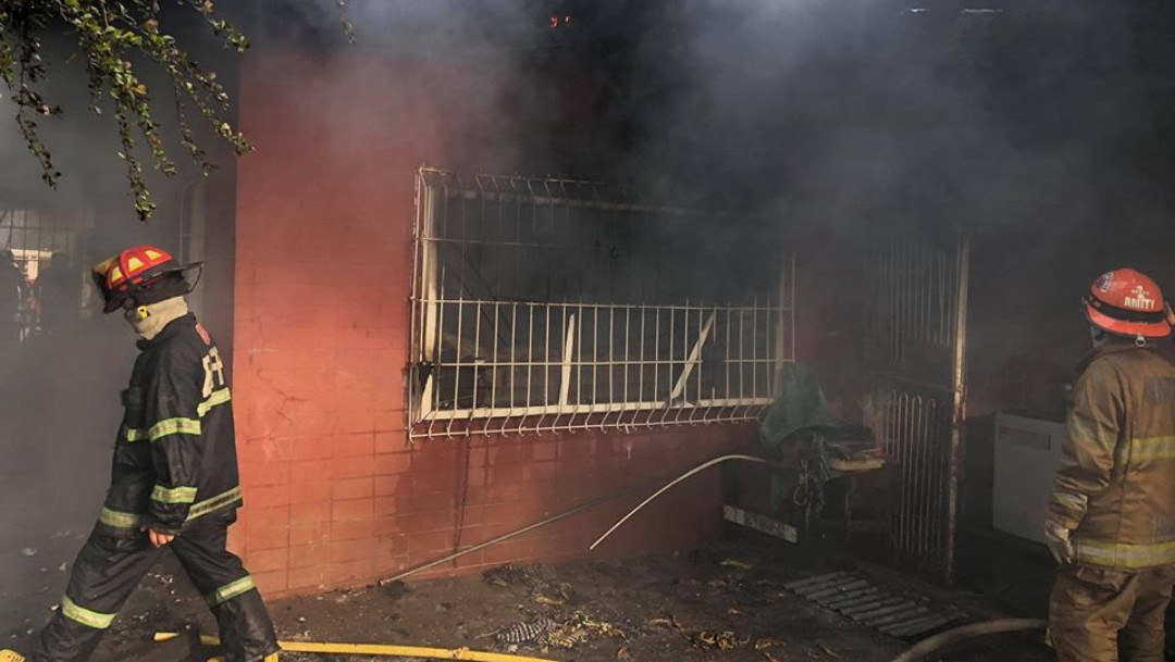 Muere-mujer-casa-incendiada-perros-quemados-Filipinas