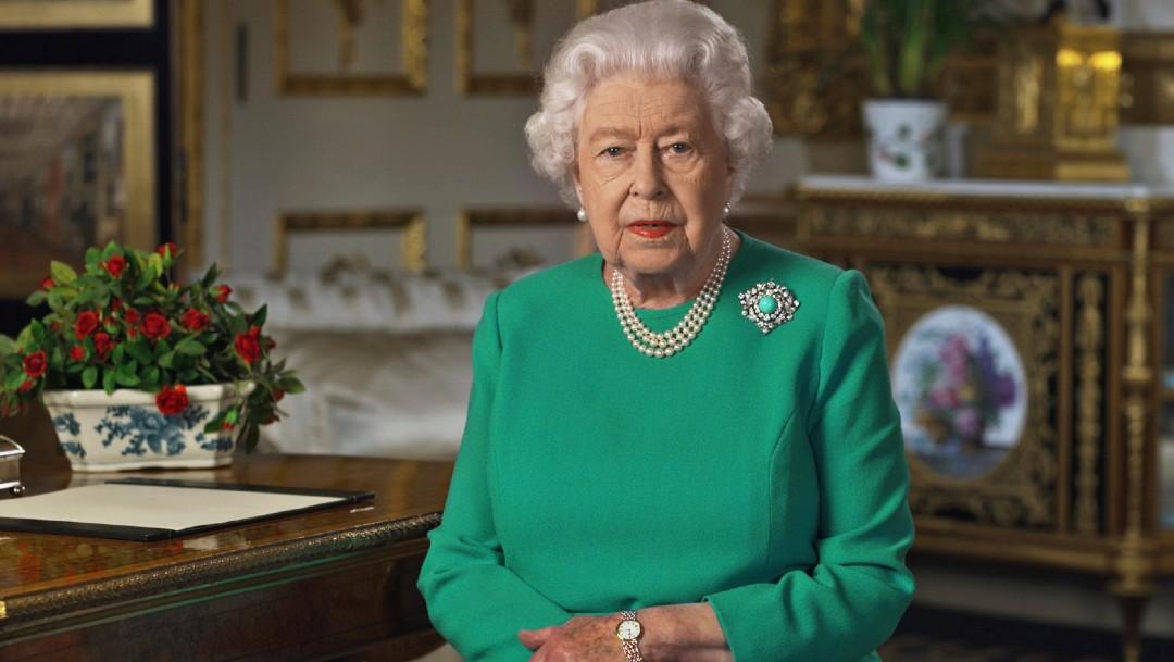 Isabel II conmemora 75 años del fin de la II Guerra Mundial