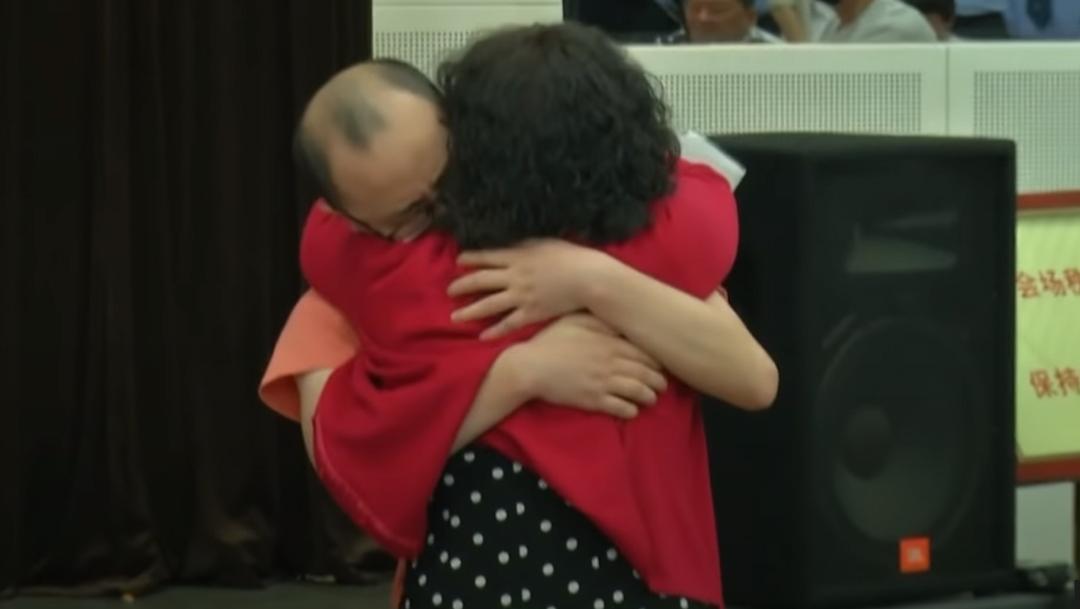 Niño secuestrado hace 32 años vuelve a reunirse con su familia