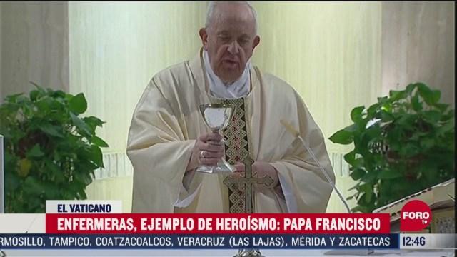 papa francisco agradece a enfermeras como ejemplo de heroismo