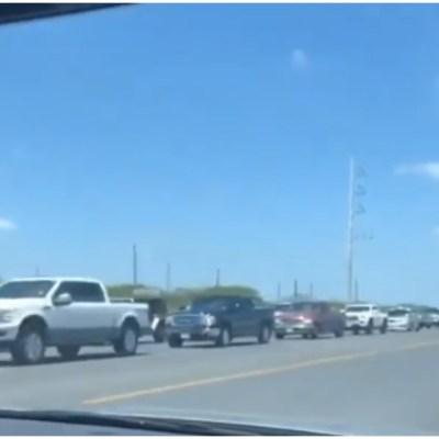 Cientos hacen fila para visitar la Isla del Padre tras reapertura de playas
