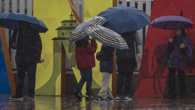 Pronostican lluvias con descargas eléctricas en gran parte de México