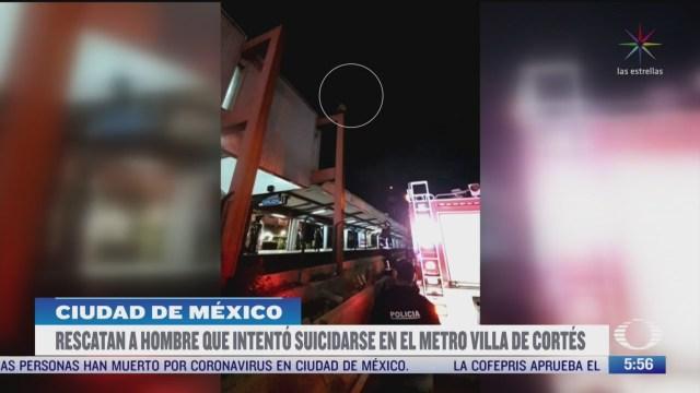rescatan a hombre que subio a estructura del metro villa de cortes en cdmx