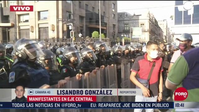 FOTO: ssc cdmx dialoga con manifestantes en eje central
