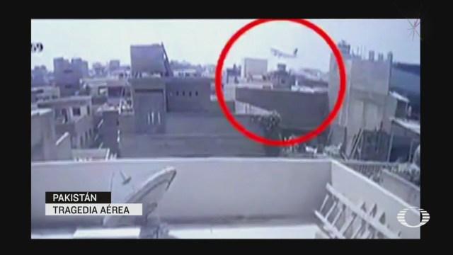 Video Avionazo en Pakistan deja más de 100 muertos