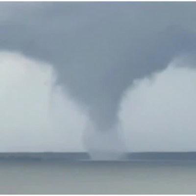VIDEO: Captan tromba marina en lago de Texas