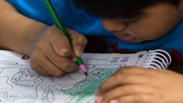 Un niño toma clases desde su casa por pandemia de Covid-19. Cuartoscuro