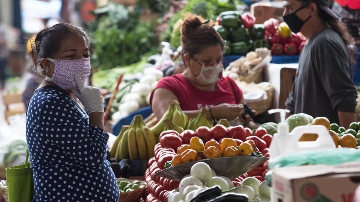 Disminuyen precios de pollo, huevo, limón y cebolla: Profeco