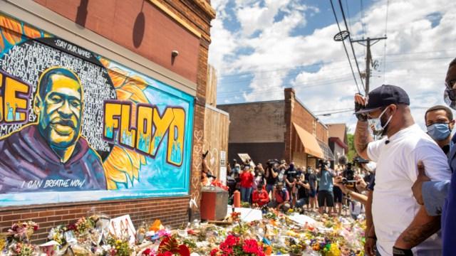 memorial en honor a george floyd