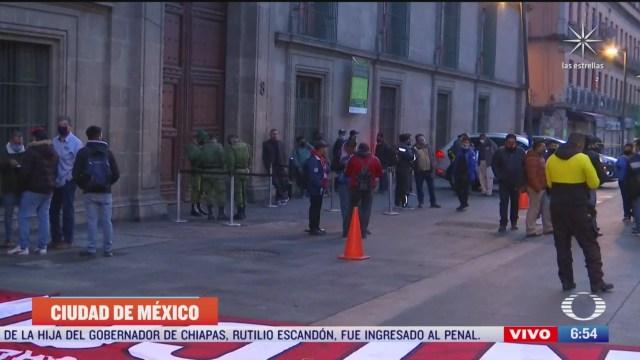 Manifestantes bloquean acceso a Palacio Nacional