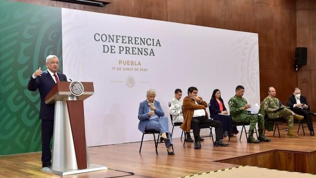El presidente Andrés Manuel López Obrador durante su rueda de prensa desde Puebla. (Foto: EFE)