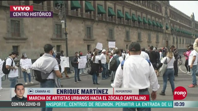 artistas urbanos realizan marcha hacia el zocalo cdmx