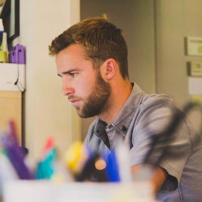 Rasurarse bigote y barba ya no será necesario para volver al trabajo en la 'nueva normalidad'