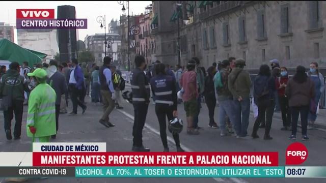 cnte protesta frente a palacio nacional en la cdmx