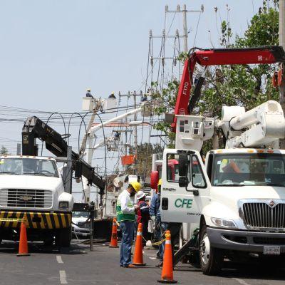 CFE amenaza con cortar la luz en Nezahualcóyotl, Edomex