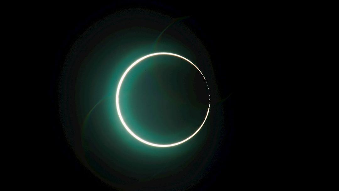 Vista del eclipse lunar desde la ciudad de Chiayi en Taiwán. (Foto: EFE)