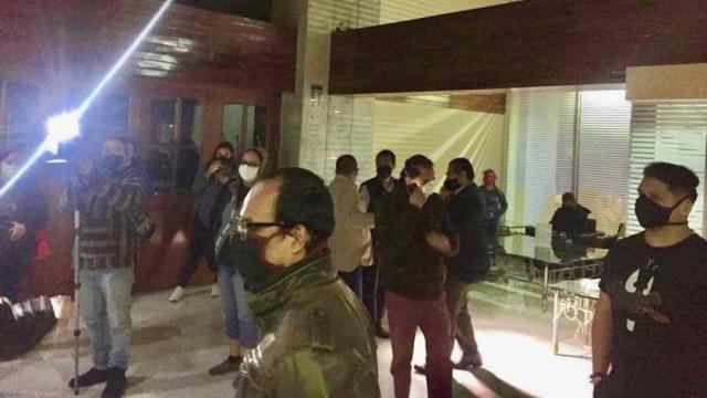 Llevan a hotel a familias afectadas en Lindavista por sismo