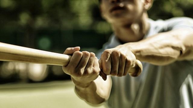 Un hombre golpeó con un bat a una mujer. (Foto: Getty Images/archivo)
