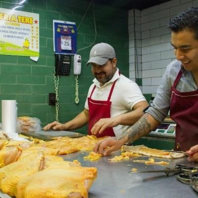 ¿Por qué en México el pollo es amarillo?
