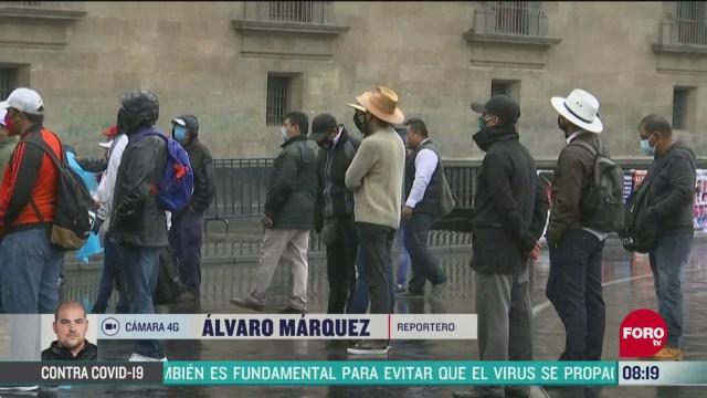 musicos se manifiestan frente a palacio nacional