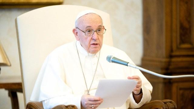 Foto: 'No podemos pretender estar sanos en un mundo que está enfermo', dice el papa