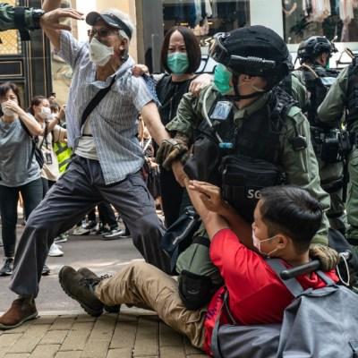 Aniversario de protestas en Hong Kong termina en enfrentamientos