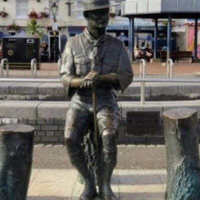 Retiran una estatua del fundador de los Boy Scouts en Inglaterra para evitar ataques