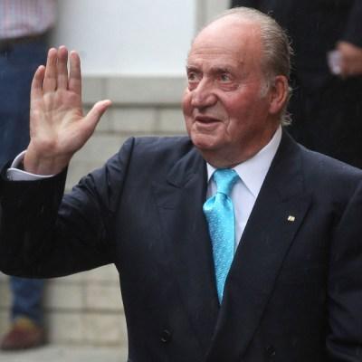 Investigan al rey Juan Carlos por trenes de alta velocidad
