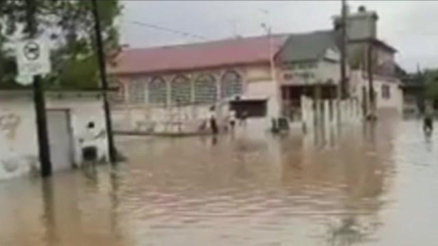 Foto: Se desborda Agua Dulcita en Veracruz; inunda al menos siete colonias, 13 de junio de 2020, (FOROtv)