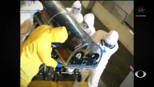 trasladan a dos usuarios del metro a hospitales por problemas respiratorios