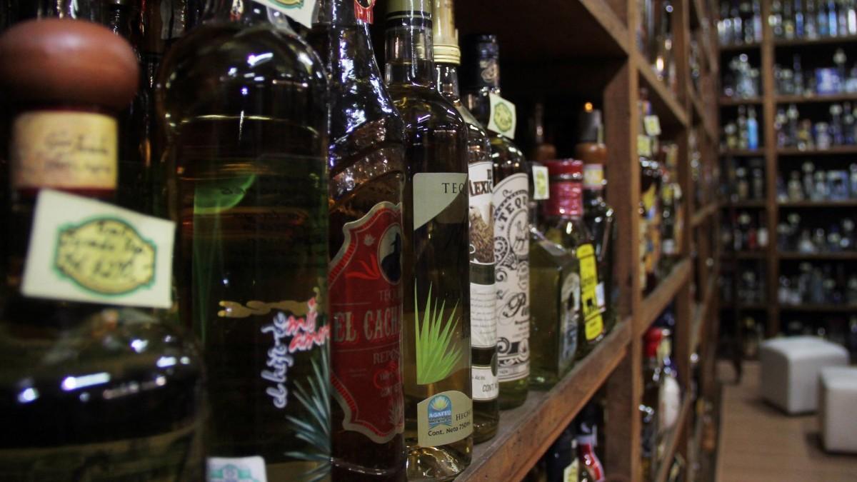 Tequila mexicano obtiene certificación en Singapur