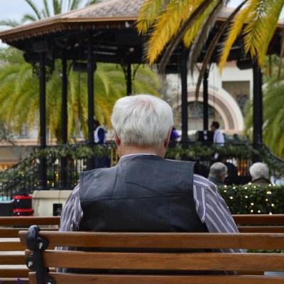 ¿A qué edad es mejor pensionarse, a los 60 o 65 años?