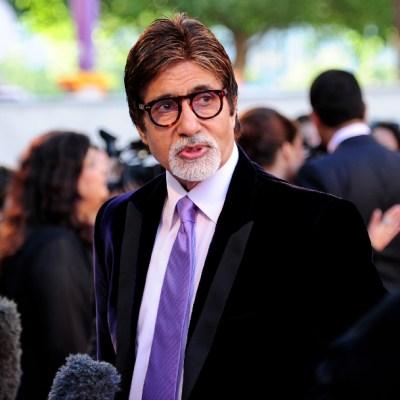 Estrella de Bollywood Amitabh Bachchan y su hijo dan positivo a COVID-19