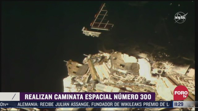 astronautas realizan caminata espacial numero