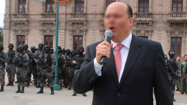 El exgobernador de Chihuahua, César Duarte, durante su despedida con las fuerzas de seguridad del estado