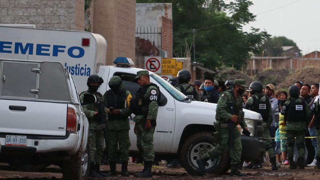 Sepultan a 17 de los 27 jóvenes asesinados en anexo de Irapuato