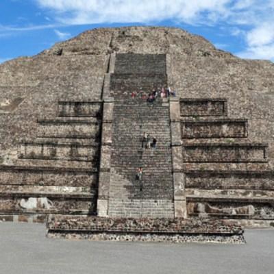 Pirámide de la Luna, base para trazar la ciudad de Teotihuacán: INAH