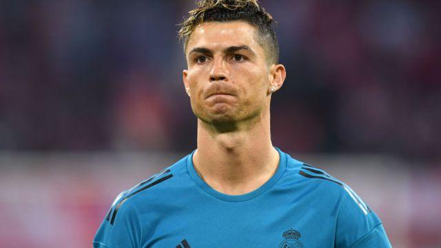 Critican a familia de Cristiano Ronaldo por video del hijo