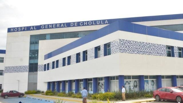 Hospitales en Puebla, saturados por casos de coronavirus; pacientes esperan atención