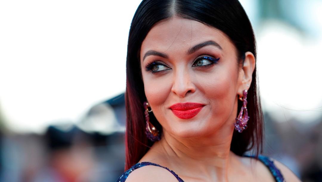 Hospitalizan a la estrella de Bollywood Aishwarya Rai y su hija por COVID-19