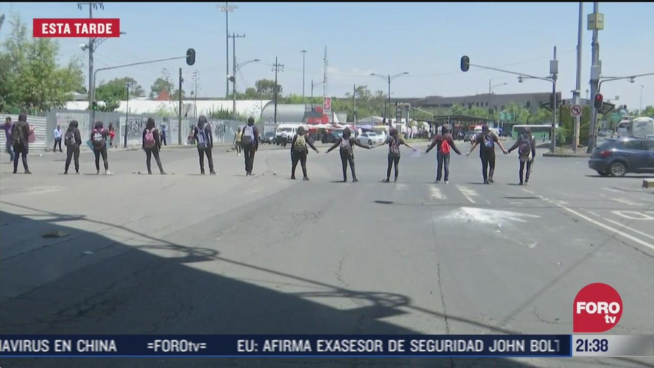 manifestantes protestan y bloquean San Lázaro, contra reformas a ley de derechos de autor