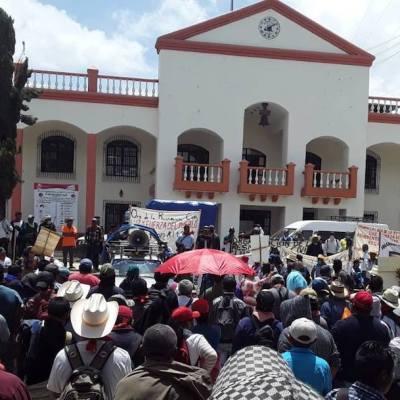 1,500 marchan en Chiapas, creen que el COVID-19 fue inventado por Bill Gates