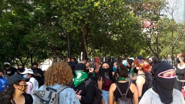 marcha de feministas en ciudad de méxico