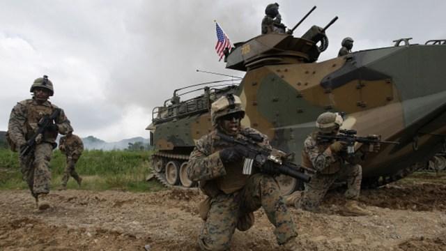 Marines estadounidenses en sus bases en Okinawa, Japón.