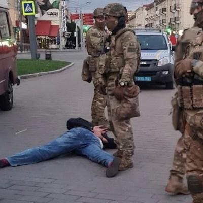 El hombre que secuestró un autobús en Ucrania es acusado de terrorismo